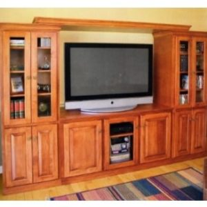 TRADITIONAL ENTERTAINMENT WALL UNIT